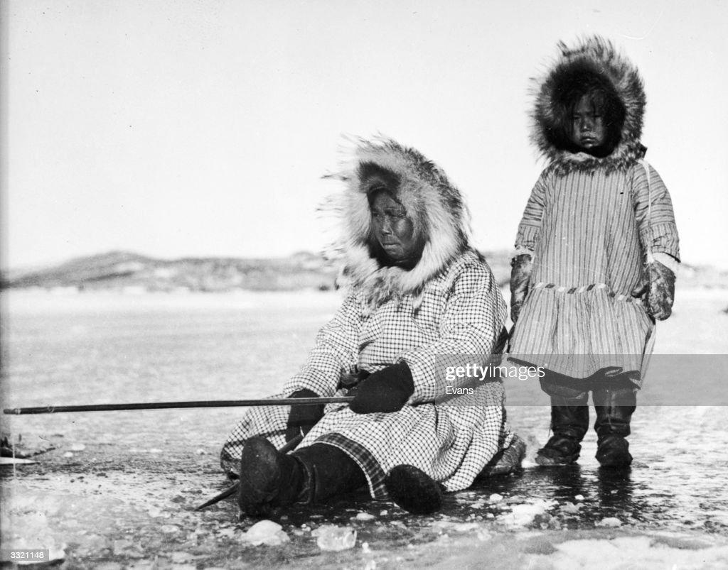 Inuit Fishers : News Photo