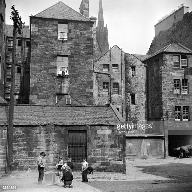Backs of houses on the Grassmarket Edinburgh The Grassmarket has been a focal point in the Old Town for 500 years and a trading place since the...