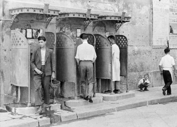 Naples Toilets