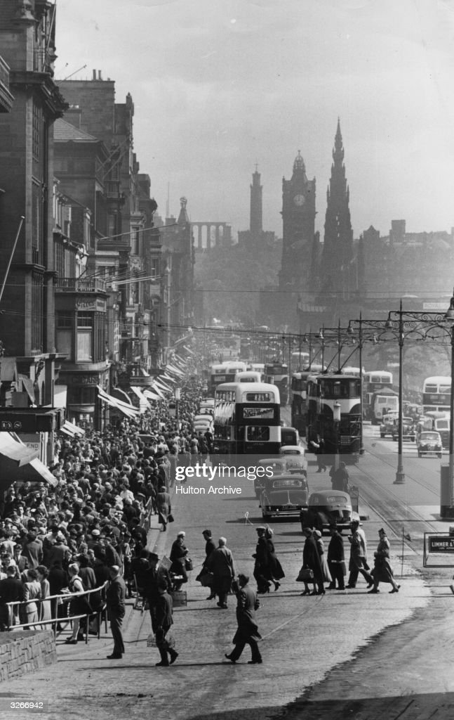 Princes Street : News Photo