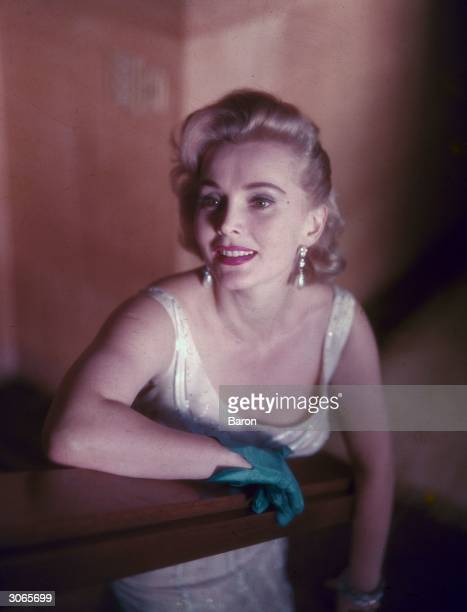 Hollywood film actress Zsa Zsa Gabor Zsa Zsa is probably most famous for her marriages her jewellery and her lifestyle and she has always courted...