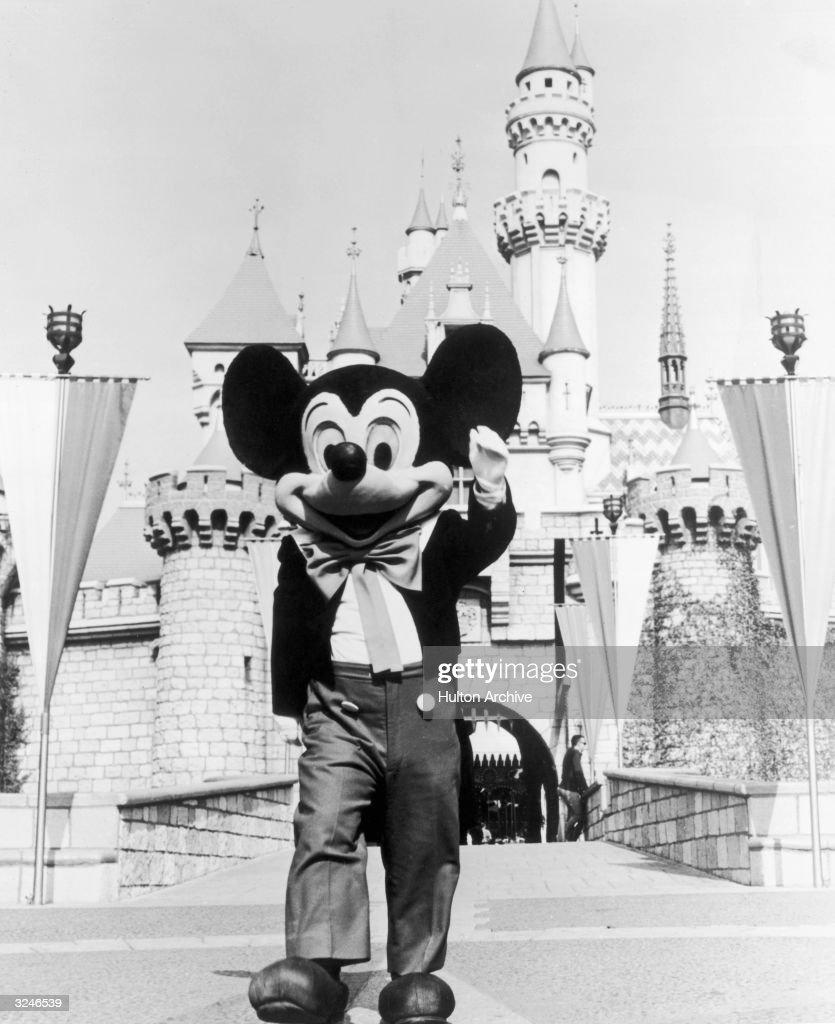 Hey Mickey : News Photo