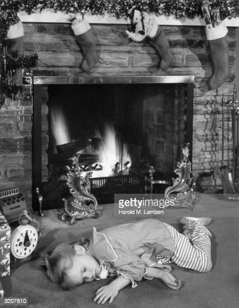 Girls sleeping in panties-8085
