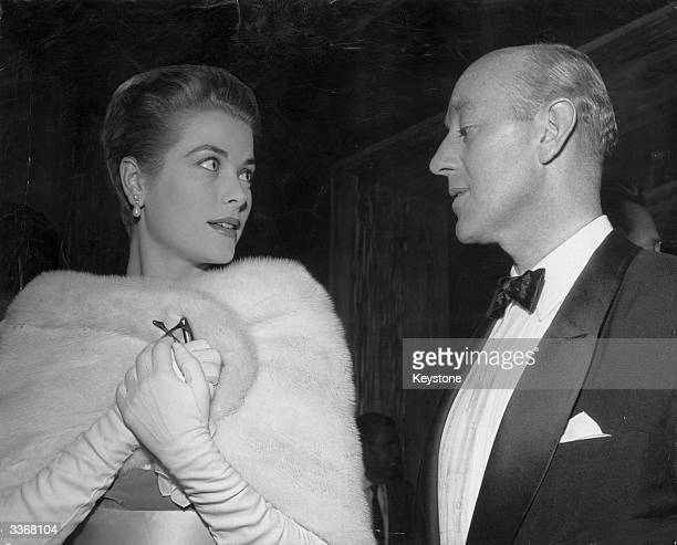 Actors Grace Kelly and Alec Guinness in Hollywood