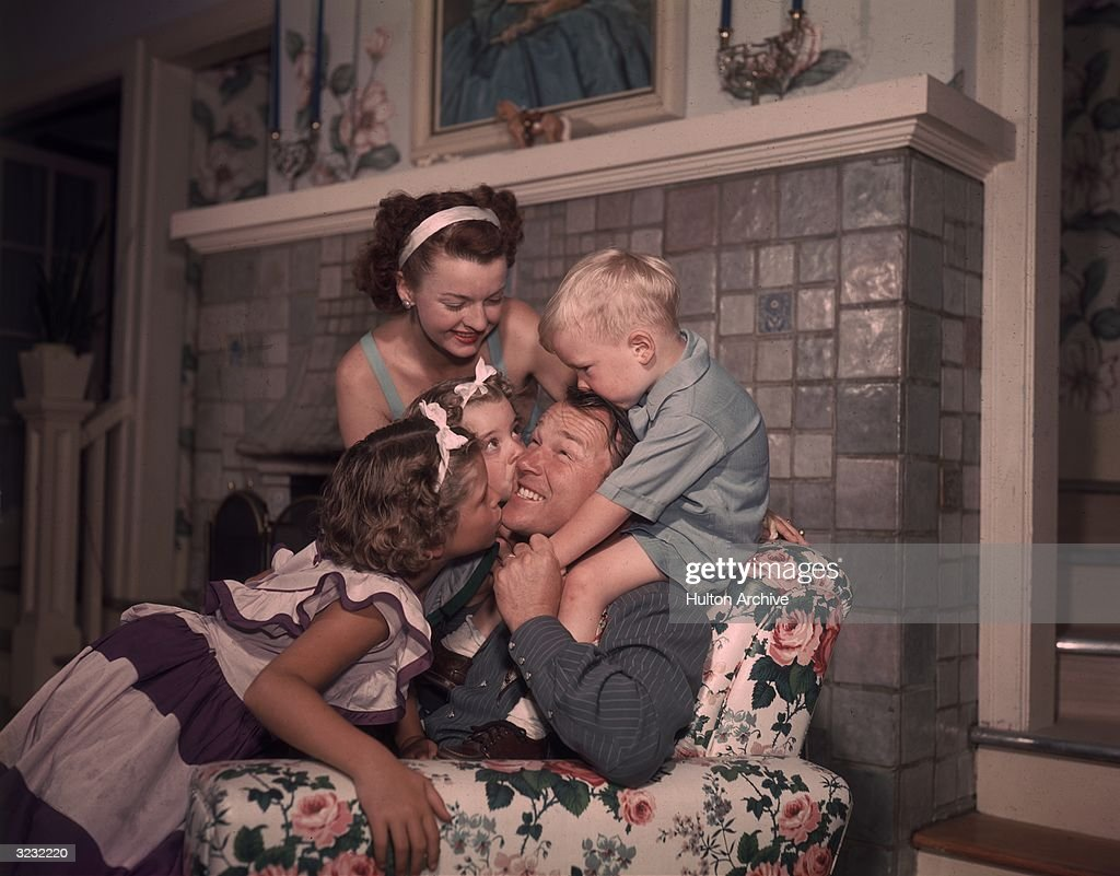 Roy, Dale & The Kids : News Photo