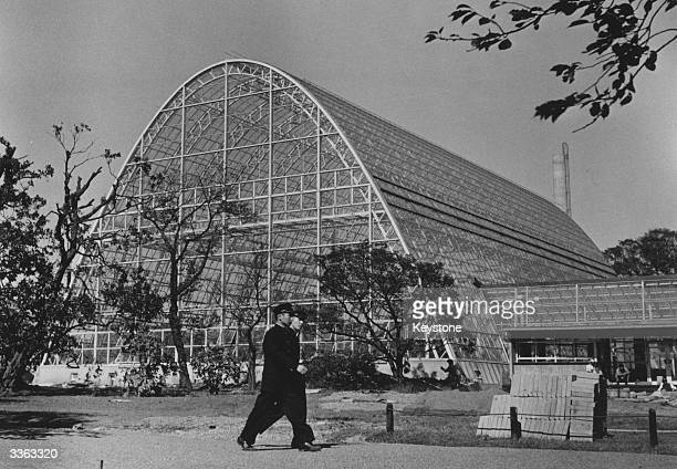 The largest greenhouse in the orient has been built by the Construction Ministry at Shinjuku Gardens Tokyo