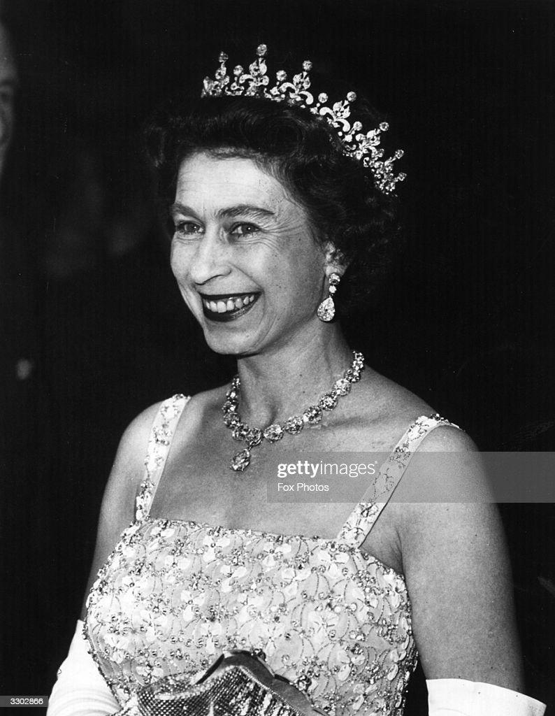 Queen's Jewels : News Photo