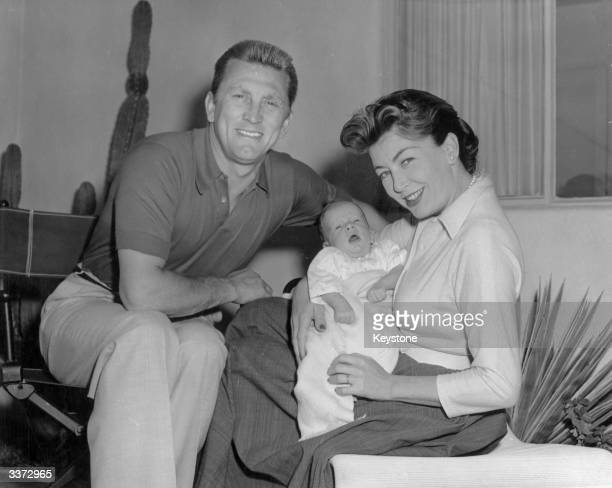 The actor Kirk Douglas with his wife Anne Buydens and their son Peter Vincent Douglas