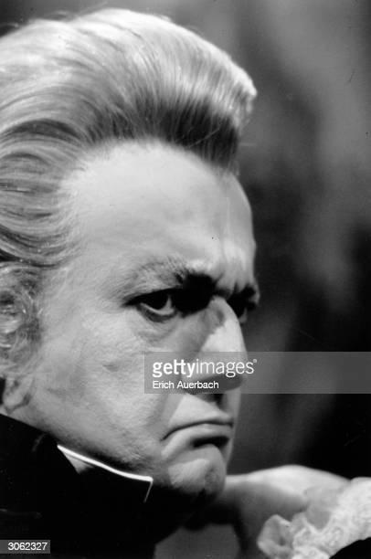 Italian baritone Tito Gobbi in his role as Scarpia in Puccini's opera 'Tosca'.
