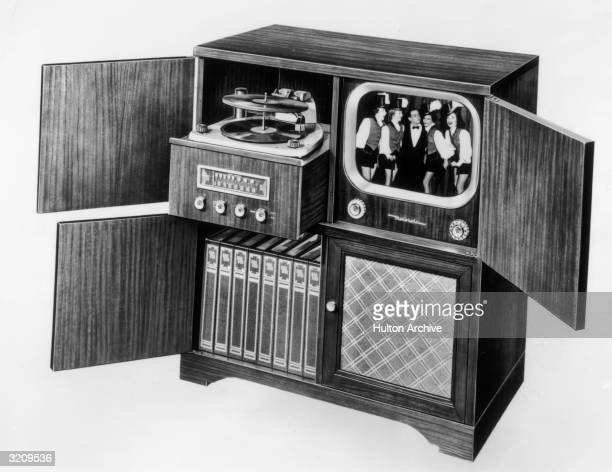 Illustration of a Motorola model 16F1 entertainment console featuring a television a stereo receiver and a record player