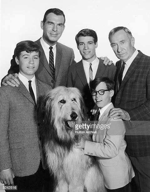 Promotional portrait of the cast of the television series 'My Three Sons' LR Stanley Livingston Fred MacMurray Don Grady William Demarest and Barry...