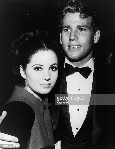 Ryan O'Neal and Barbara Parkins youthful stars of the TV show 'Peyton Place'