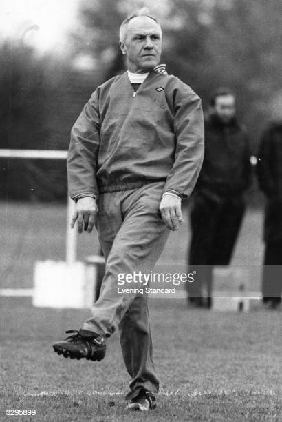 Bill Shankly practising his Wembley walk