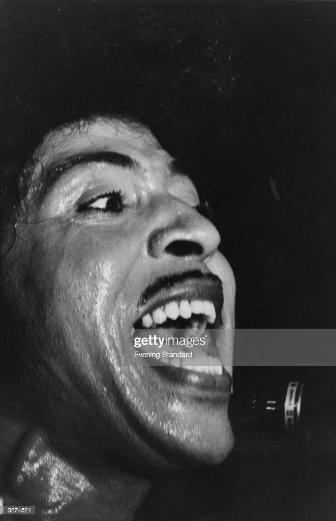 Rock n' roll legend Little Richard rips it up at the La Valbonne club.