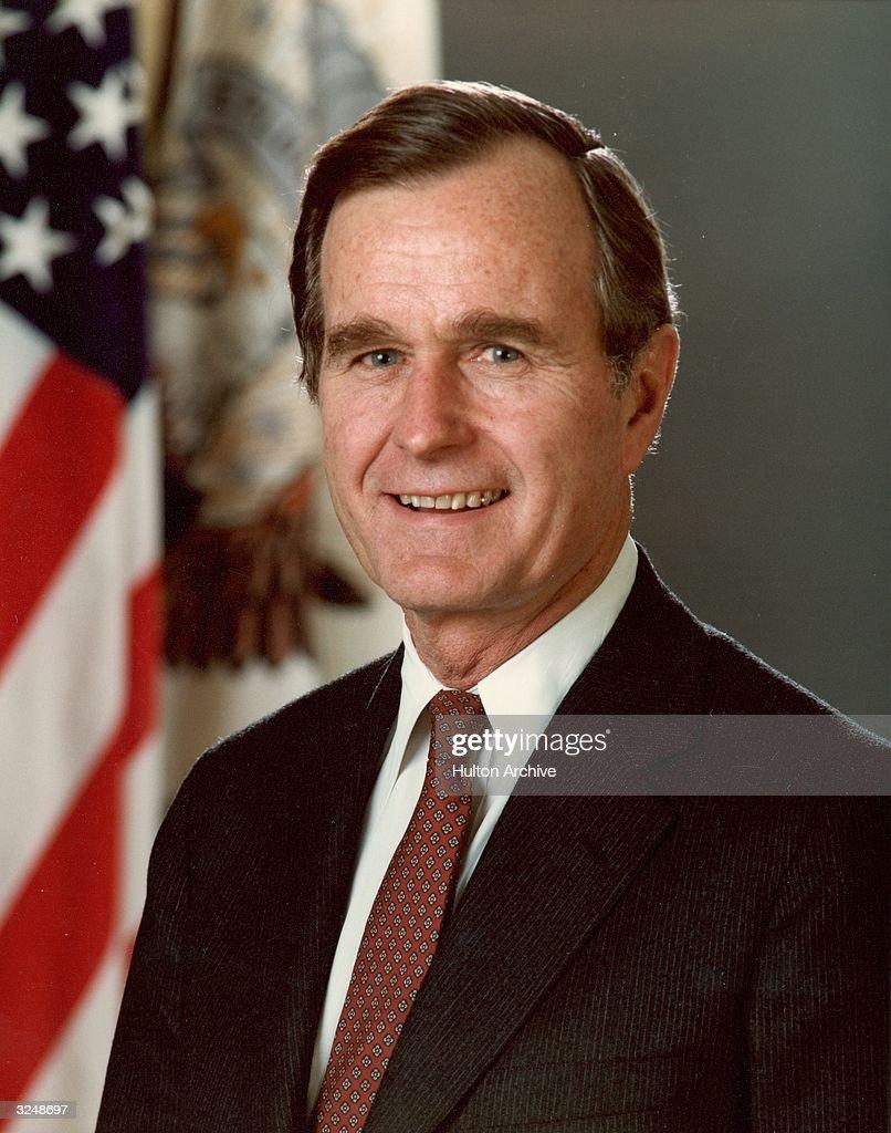 President George Bush : News Photo