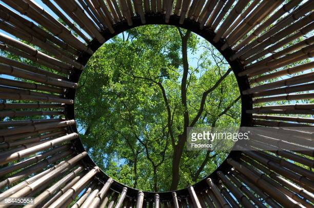 circle  -  window - sony center berlin stock pictures, royalty-free photos & images