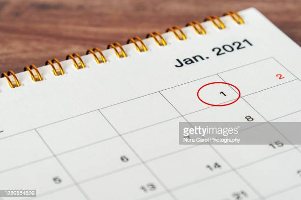 circled january 1st 2021 calendar - 2021 stock pictures, royalty-free photos & images