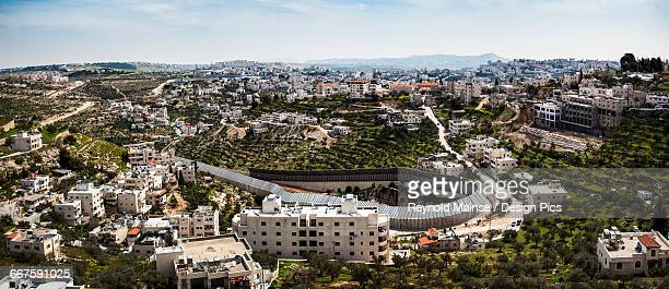 circular protection wall surrounding a tunnel that goes from israel under palestine and comes out to another part of israel - bethlehem west bank stock pictures, royalty-free photos & images