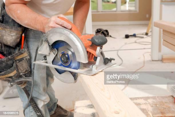 Sierra Circular de montaje con tornillo prisionero de su proyecto de remodelación