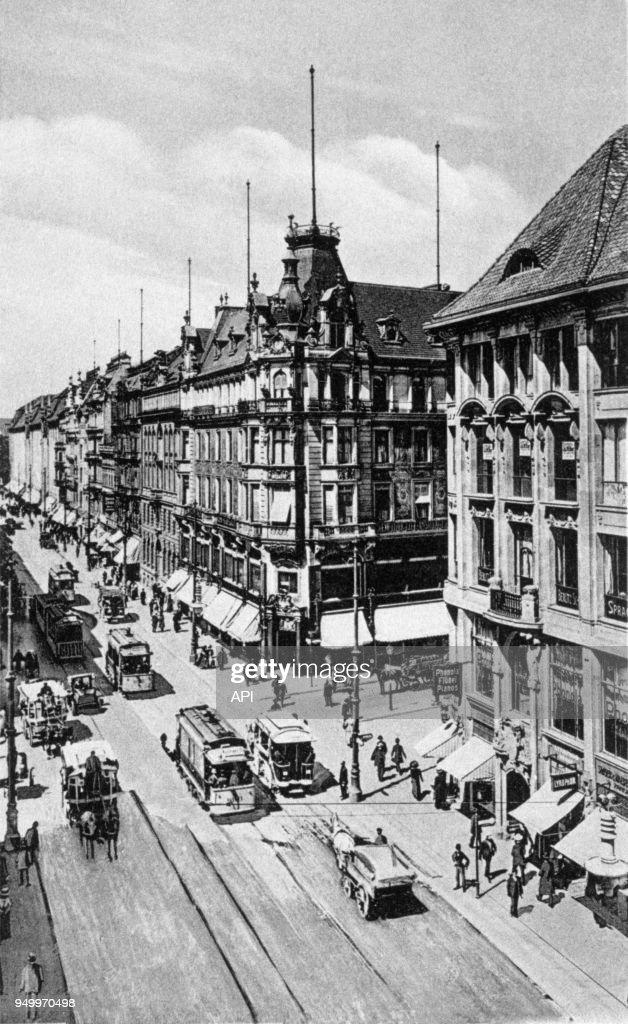 Circulation en ville dans le vieux Berlin : Nachrichtenfoto