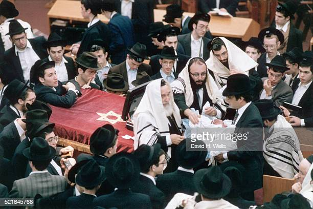 circumcision at yeshiva - circumcision stock pictures, royalty-free photos & images