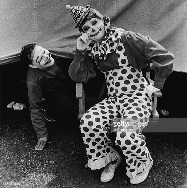 Circus clowns Billy McCabe and 'Tweety Bird' of the 'Clyde BeattyCole Bros Circus' USA 1971