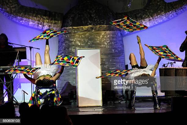 """Circus der Sinne Mother Africa gastiert mit ihrem Programm """"Umlingo"""" im Theater am Tanzbrunnen Köln. Inhalt der Show: Umlingo, was übersetzt so viel..."""