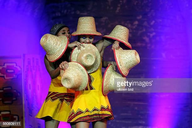 Circus der Sinne Mother Africa gastiert mit ihrem Programm Umlingo im Theater am Tanzbrunnen Köln Inhalt der Show Umlingo was übersetzt so viel wie...