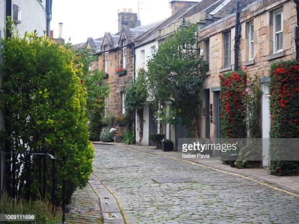 circus lane street, edinburgh, scotland - narrow stock pictures, royalty-free photos & images
