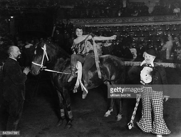 Circus Miss Waldorf on horseback in a circus in Berlin before the start of her equestrian vaulting performance photo J Egers 1909 Published by...