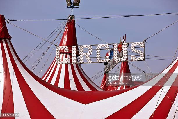 circo tenda. immagine a colori - tendone di circo foto e immagini stock