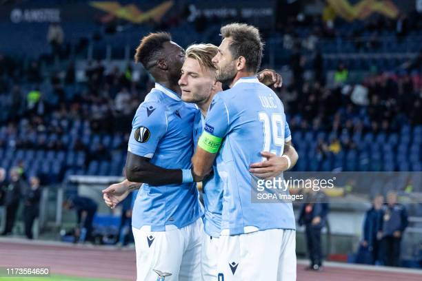Ciro Immobile of Lazio celebrates with his team mates after scoring a goal during the UEFA Europa League match between SS Lazio and Stade Rennais FC...