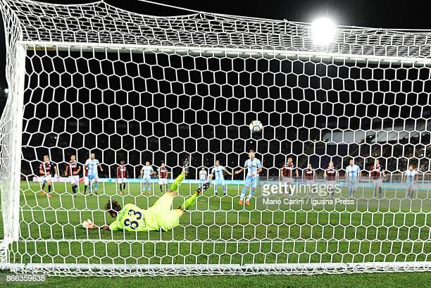 Ciro Immobile of SS Lazio kicks a penalty kick during the Serie A match between Bologna FC and SS Lazio at Stadio Renato Dall'Ara on October 25 2017...