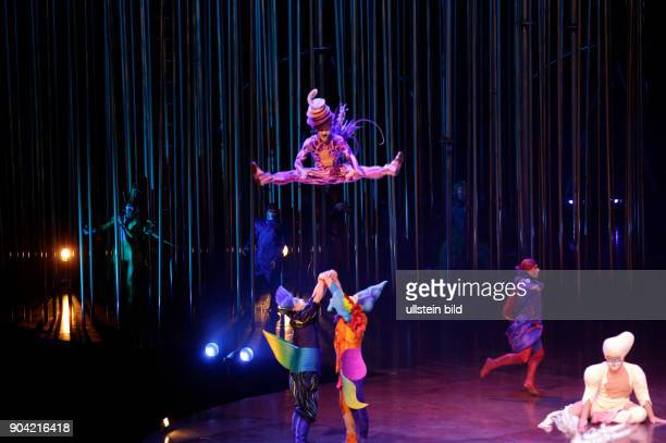 Cirque du Soleil mit der Show Varekai der kanadische Zirkus mit Artistik Theaterkunst und Livemusik live in Hamburg Barclaycard Arena Photo by Jazz...