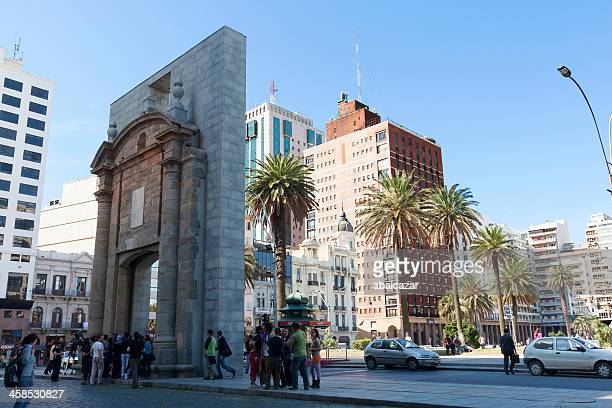 citadel gate in montevideo - montevideo stock pictures, royalty-free photos & images