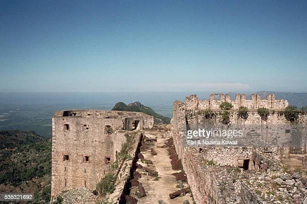 citadelle ruins in haiti - paisajes de haiti fotografías e imágenes de stock