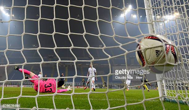 Citadin Martins Eder of FC Internazionale scores the second goal during the UEFA Europa League match between FC Internazionale Milano and AC Sparta...
