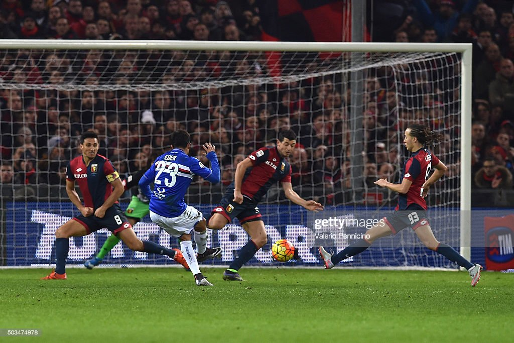 Citadin Martins Eder (C) of UC Sampdoria scores a goal during the Serie A match between Genoa CFC and UC Sampdoria at Stadio Luigi Ferraris on January 5, 2016 in Genoa, Italy.