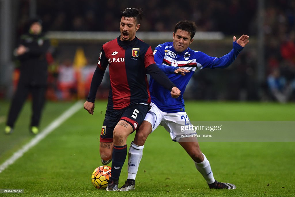 Citadin Martins Eder (R) of UC Sampdoria tackles Armando Izzo of Genoa CFC during the Serie A match between Genoa CFC and UC Sampdoria at Stadio Luigi Ferraris on January 5, 2016 in Genoa, Italy.