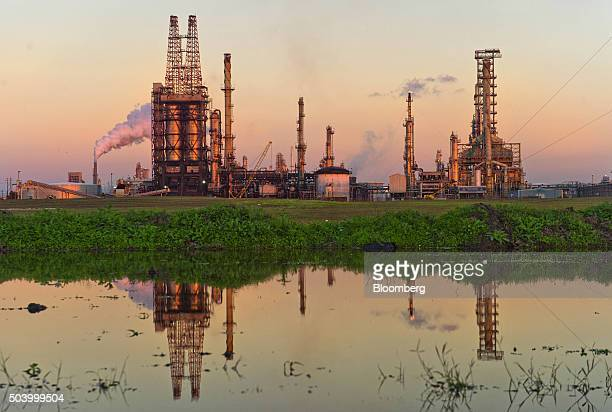 A Citgo oil refinery stands in Corpus Christi Texas US on Thursday Jan 7 2016 Crude oil slid Thursday to the lowest level since December 2003 as...