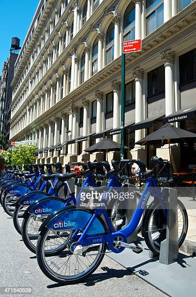 citi bike bicycle sharing station, manhattan, new york city - citigroup stock pictures, royalty-free photos & images