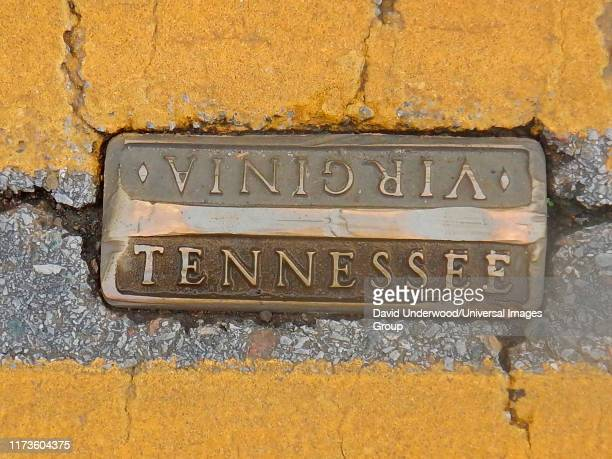 cities of bristol, tennessee & bristol, virginia - virginia us state stock pictures, royalty-free photos & images