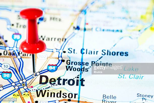 us cities on map series: detroit, michigan - detroit michigan map stock pictures, royalty-free photos & images