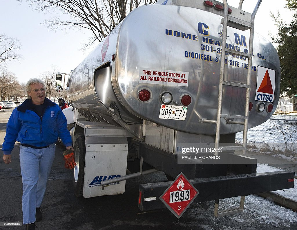 Home oil tanker truck pictures.