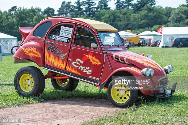citroen 2cv - day old chicks stock photos and pictures