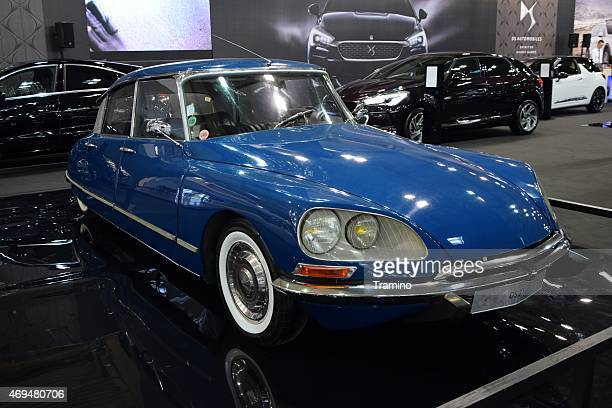 citroen ds21 on the motor show - citroën ds stock photos and pictures