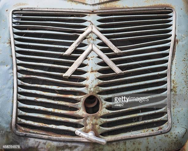 Citroën logo de métaux endommagé grille de voiture vintage 2CV