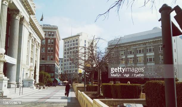 city against sky - oakland california stock pictures, royalty-free photos & images