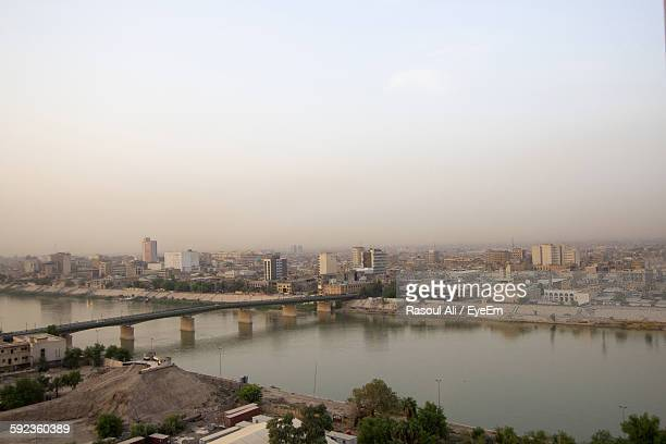 city against sky - iraq stock pictures, royalty-free photos & images