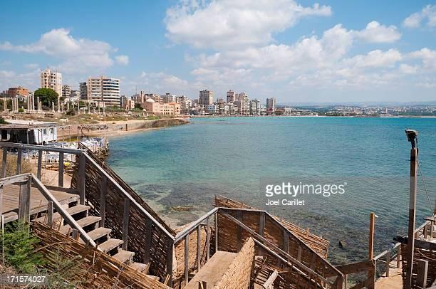 la ciudad y de la playa en neumáticos, líbano - líbano fotografías e imágenes de stock